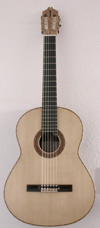 Classical Guitar Gee 2001 Front2.jpg